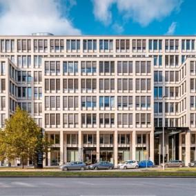Rohan Business Center, Praha 8 Karlín, Rohanské nábřeží 15